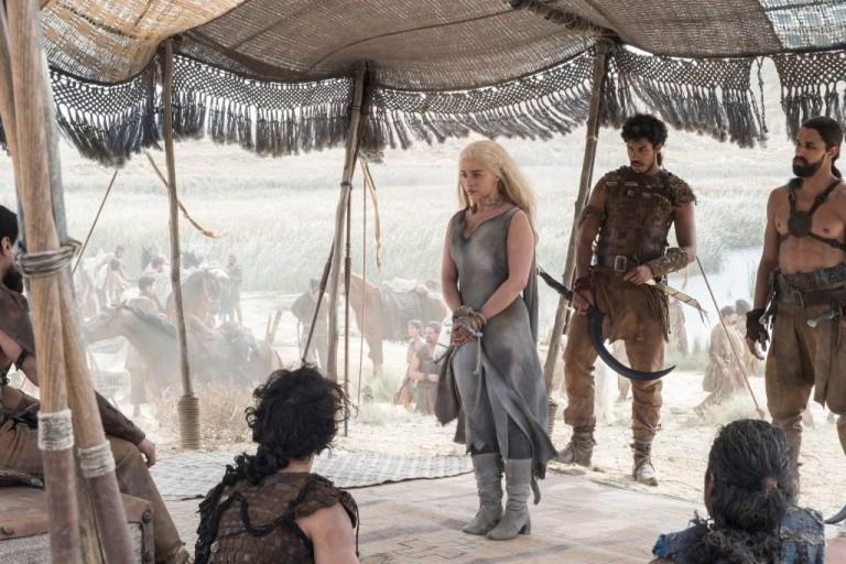 Daenerys-with-the-Dothraki-Season-6-Official
