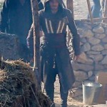 michael_fassbender_assassin_costume_01