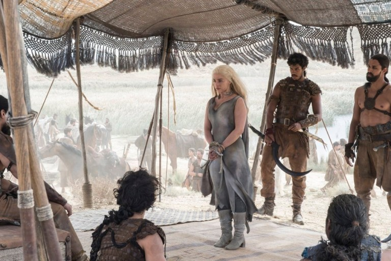 Daenerys-with-the-Dothraki-Season-6-Official