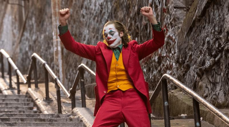 Joker se stává šíleným lidovým hrdinou