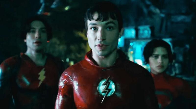 Flash, Flash a Supergirl v Batmanovej jaskyni